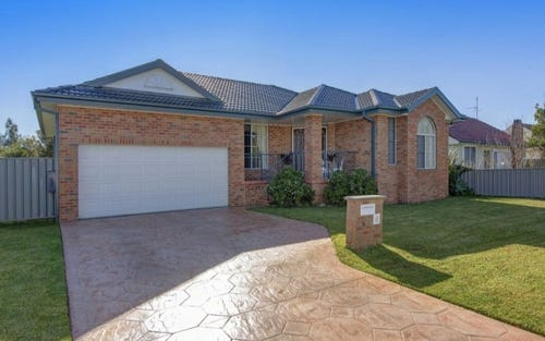 16 Thompson Street, Belmont South NSW 2280