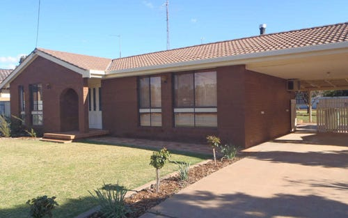178 Railway Road, West Wyalong NSW 2671