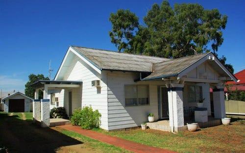 81 Warne St, Wellington NSW 2820