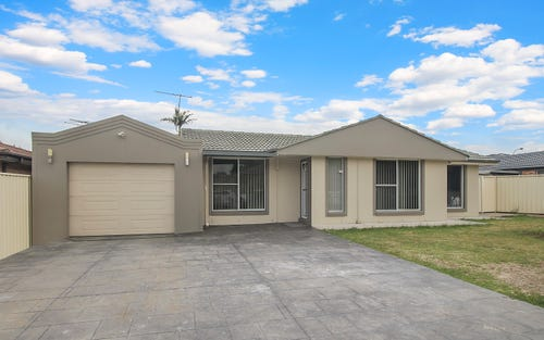 15 Knowles Pl, Bossley Park NSW 2176