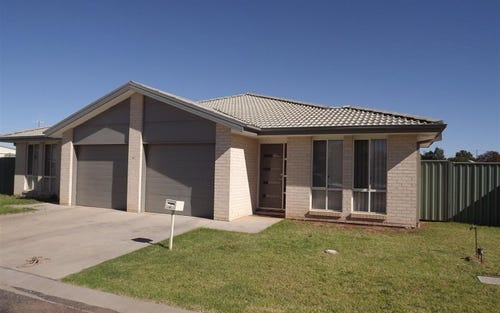 2/80 Close Street, Parkes NSW 2870