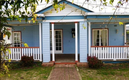 17 Chisholm Street, Woodstock NSW 2360