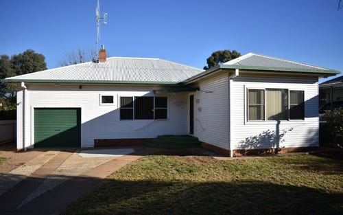 12 Waratah Street, Parkes NSW