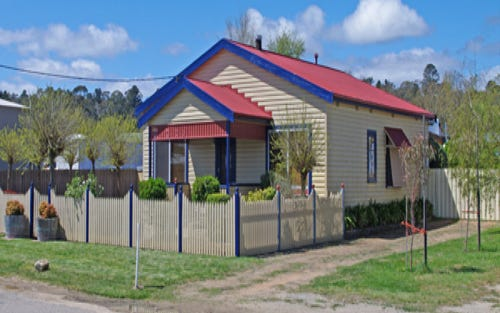 4 Badgery St, Bombala NSW 2632