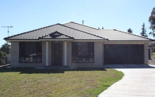 7 Windeyer, Glen Innes NSW 2370