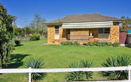 36 Bourne St, West Tamworth NSW 2340