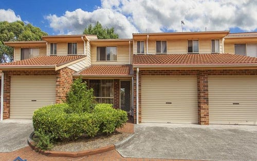 8/6a Milne Crescent, Coniston NSW