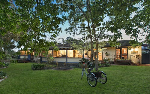8 Thorn Place, Curtin ACT 2605