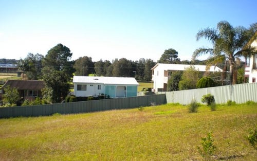 6 Higgins Place, Greenwell Point NSW 2540