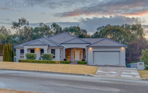 27 Lakehaven Drive, Lake Albert NSW 2650