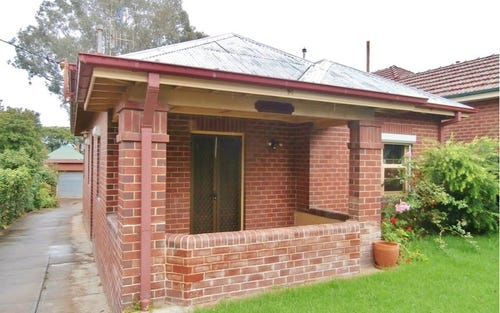 74 Seymour Street, Bathurst NSW