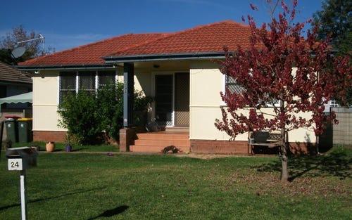 24 Stonham Street, Forbes NSW 2871