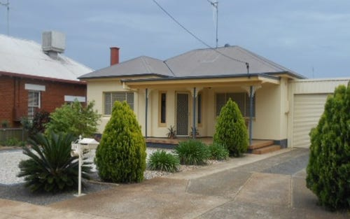 24 Armstrong Street, Parkes NSW 2870