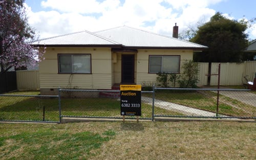 13 Memagong St, Young NSW 2594