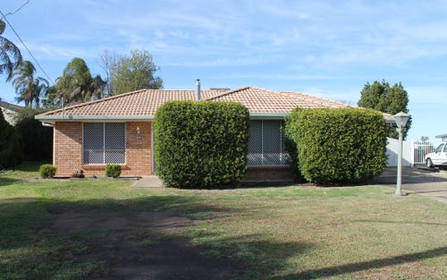 12 Loren Avenue, Moree NSW 2400