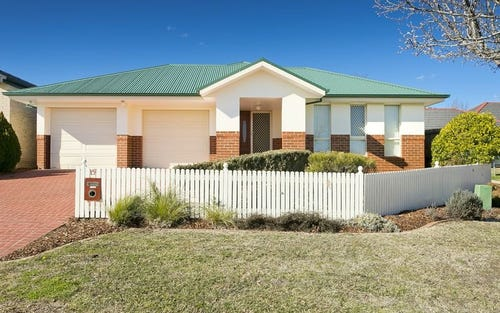 15 Northcliffe Place, Queanbeyan NSW 2620