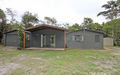 634 Point Plomer Road, Crescent Head NSW 2440