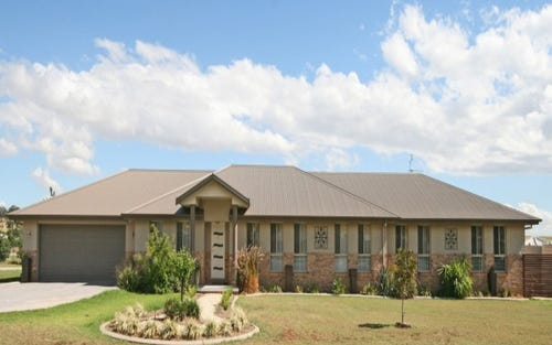 13 Whiporie Close, Tamworth NSW 2340