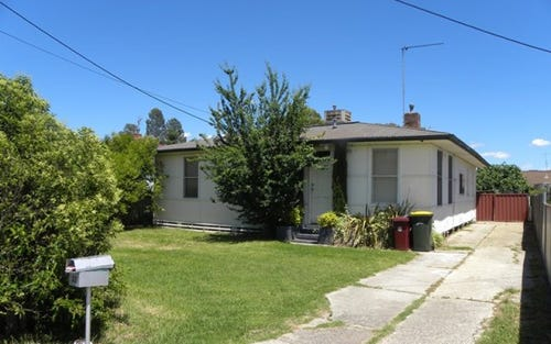 32 FITZROY AVENUE, Cowra NSW 2794