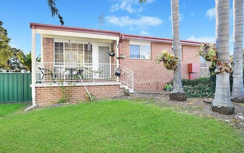 18/1 Dan Close, Gorokan NSW 2263