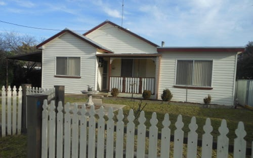 32 Nasmyth, Young NSW 2594