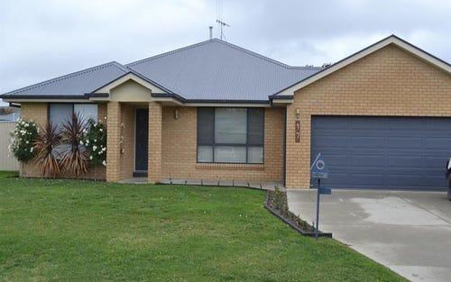 17 Raphael St, Blayney NSW 2799