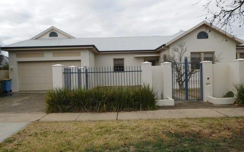 61 Shaw Street, Wagga Wagga NSW