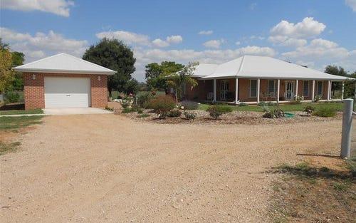 39 Elouera Road, Cowra NSW 2794
