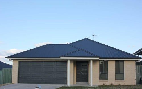 6 Blaxland Drive, Bathurst NSW 2795