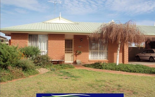 24 Anderson St, Finley NSW 2713