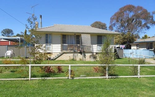 34 DUKE STREET, Uralla NSW 2358