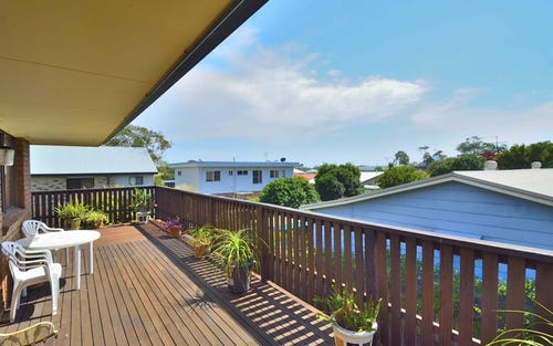 27 Hodgson St, Crescent Head NSW 2440