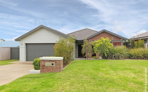 6 Kolor Place, Bourkelands NSW 2650