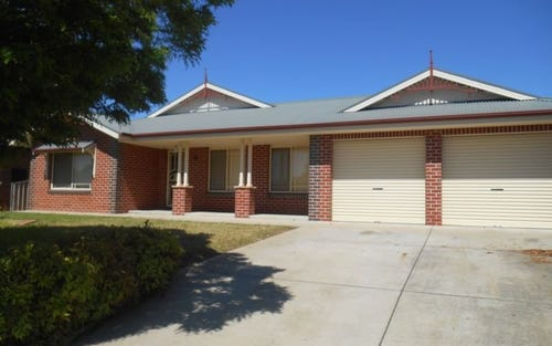 6 Yentoo Drive, Glenfield Park NSW
