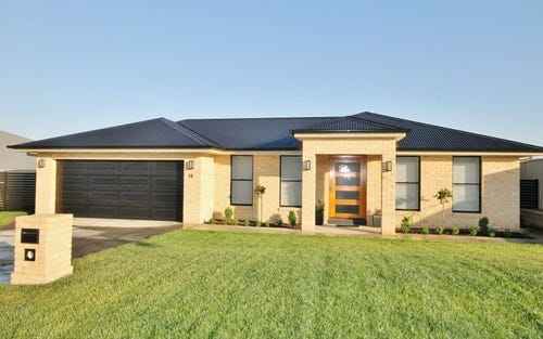 13 Coates Drive, Kelso NSW 2795