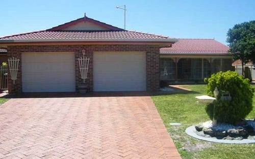 15 Friendship Key, Forster NSW