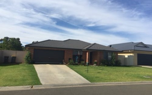 28 Golf Club Drive, Leeton NSW