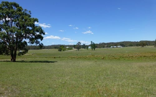 55 Allinghams Road, Uralla NSW 2358
