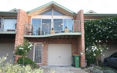 11/3 Winchester Place, Queanbeyan ACT