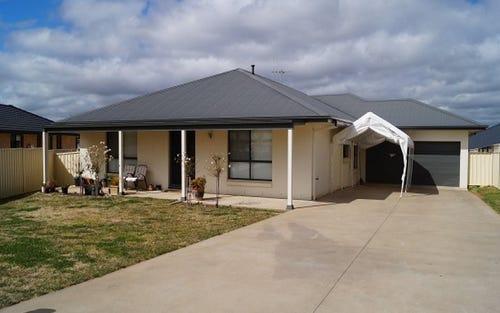 8 Valencia Drive, Windera NSW 2800