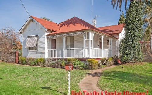 31 Railway Parade, Junee NSW 2663