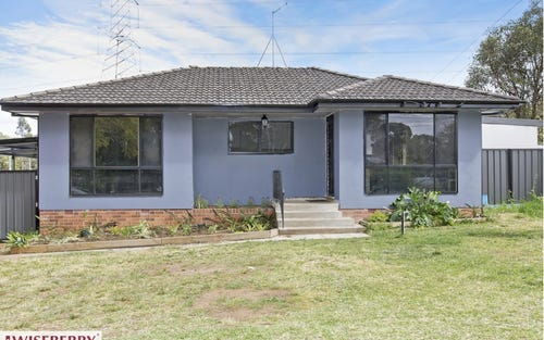 30 Lucena Crescent, Lethbridge Park NSW 2770