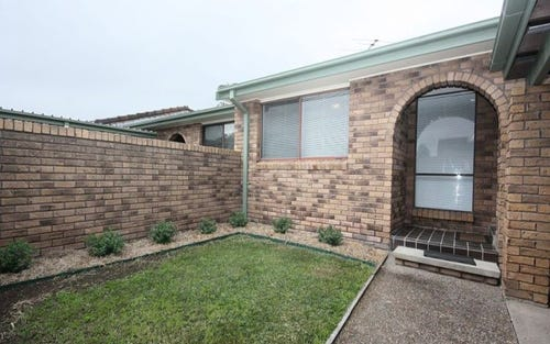 2/3 Simpson Terrace, Singleton NSW 2330