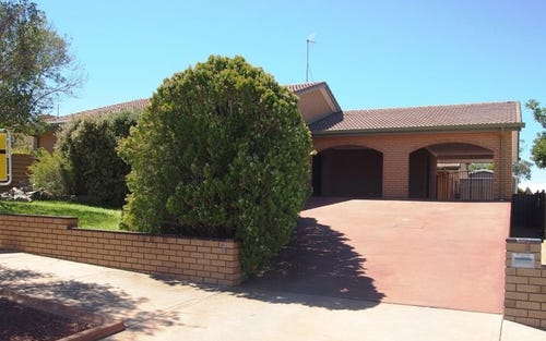 5 Cummins Place, Broken Hill NSW 2880