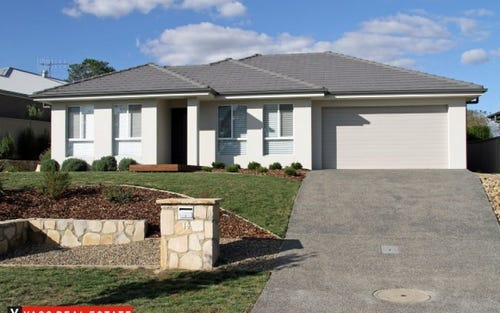 16 McKenna Ave, Yass NSW 2582