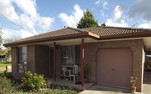 1/5 Glendaloch Ct, Lavington NSW 2641