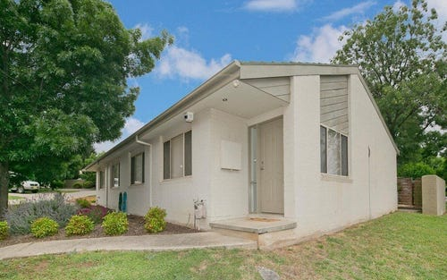 4/6 Kemsley Place, Pearce ACT