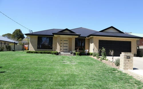 11 Cramsie Crescent, Glen Innes NSW 2370