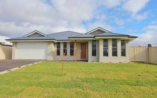 4 Broadhead Road, Mudgee NSW 2850