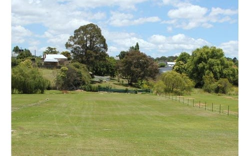 174 Logan Street, Tenterfield NSW 2372